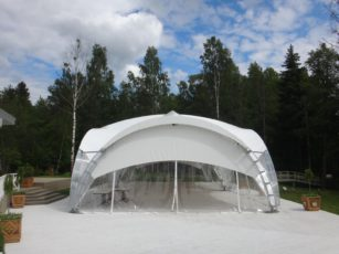 Летний ресторан в шатре